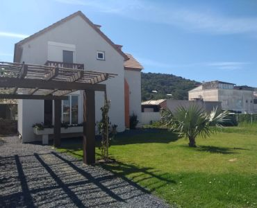 241 - HOUSE FOR SALE 3 BEDROOMS HIGH STANDARD OF ACABAMENO